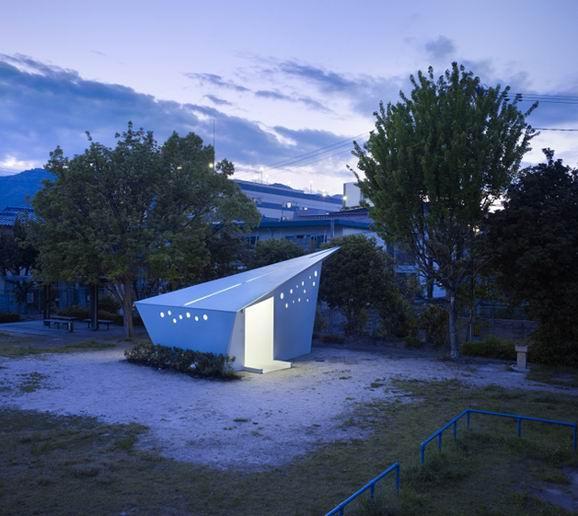 紙鶴形狀的日本廣島公廁